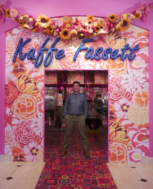 tomofholland in the Kaffe Fassett American Museum entrance