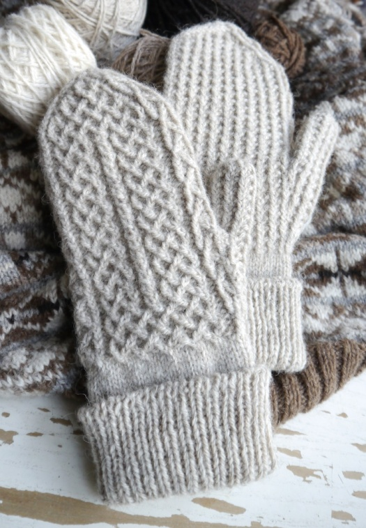 Crofters Mittens knitting pattern by tomofholland