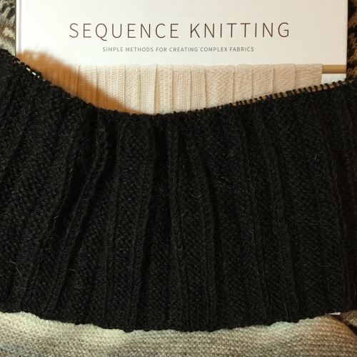 Sequence Knitting in Boxpleat pattern