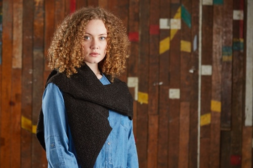 Beilby Scarf in Daughter of a Shepherd yarn